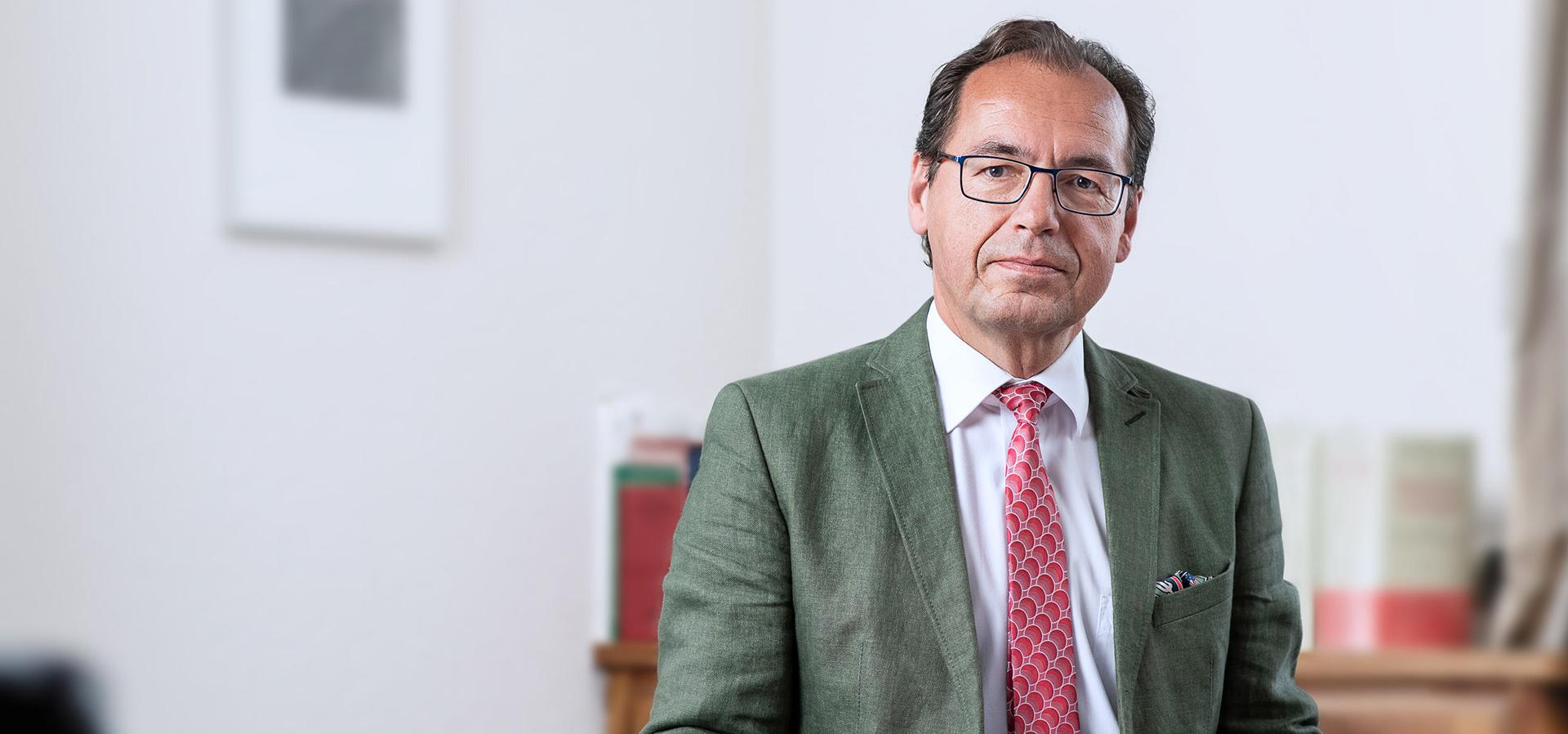 Rechtsanwalt Dr Friedrich E Hoesl